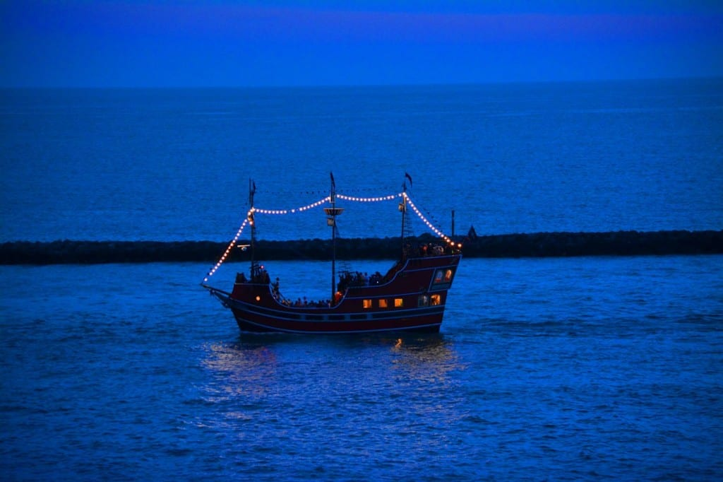 Clearwater-Beach-Pirate-Ship-sm