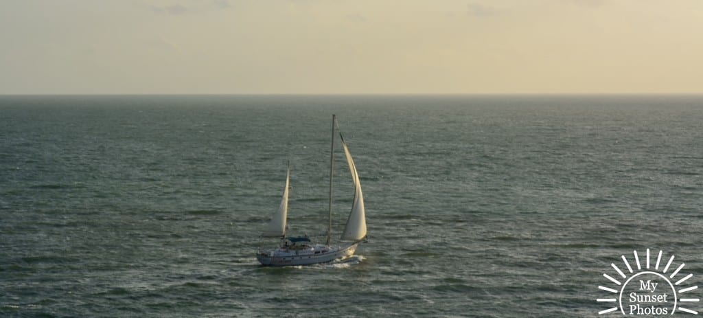 Sailing-with-the-wind.jpg_006